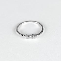 Stříbrný prstýnek se zirkony