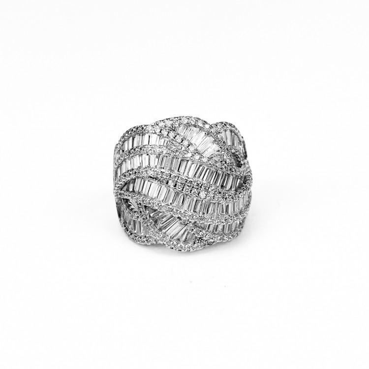 Luxusní prsten se zirkony